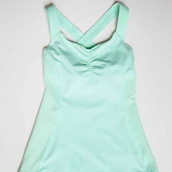 LuluLemon Core Kicker Tank Mint Green SZ 4 Pastel